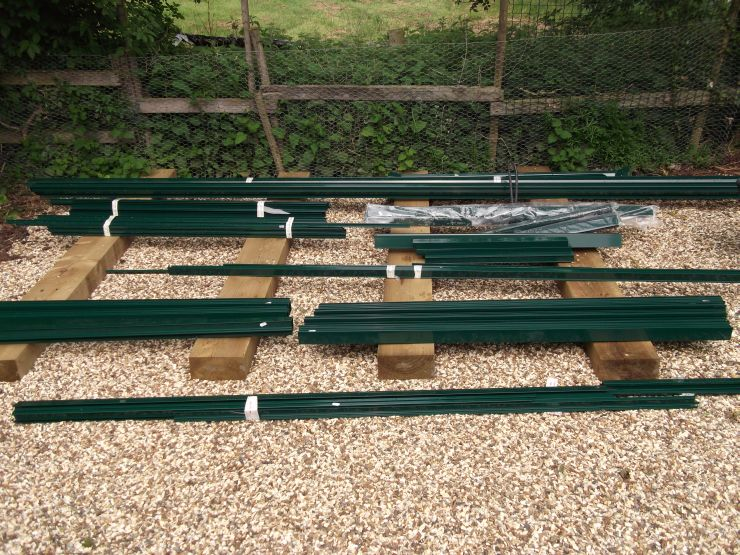 example of an aluminium greenhouse kit